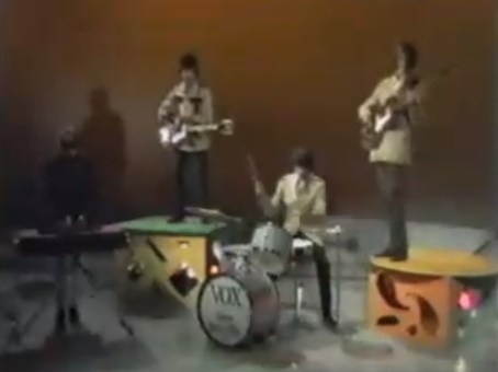 Dirty Water by The Standells (video)